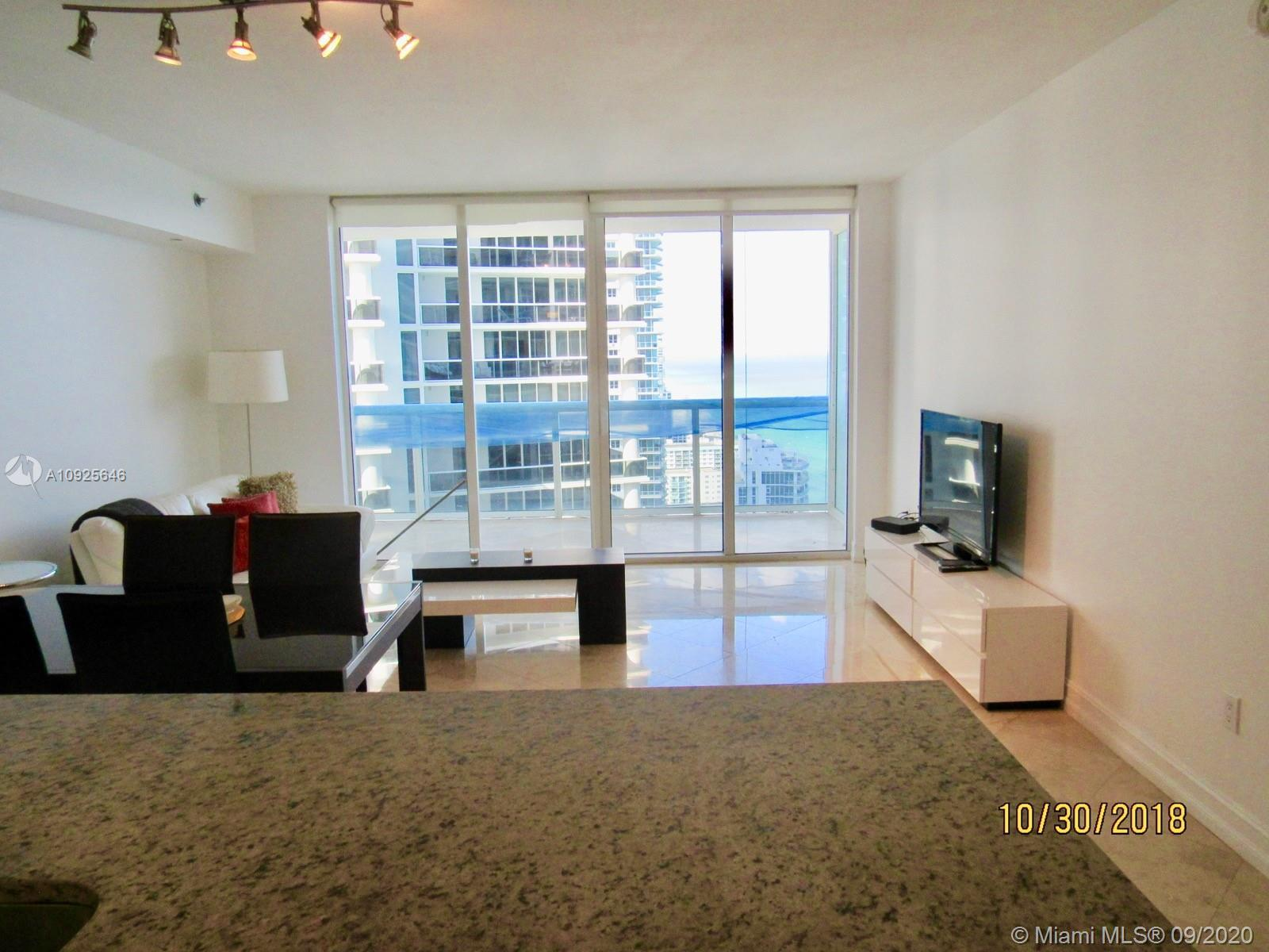 Spectacular unit on high floor offering views to Fort Lauderdale looking north. Watch cruise ships s