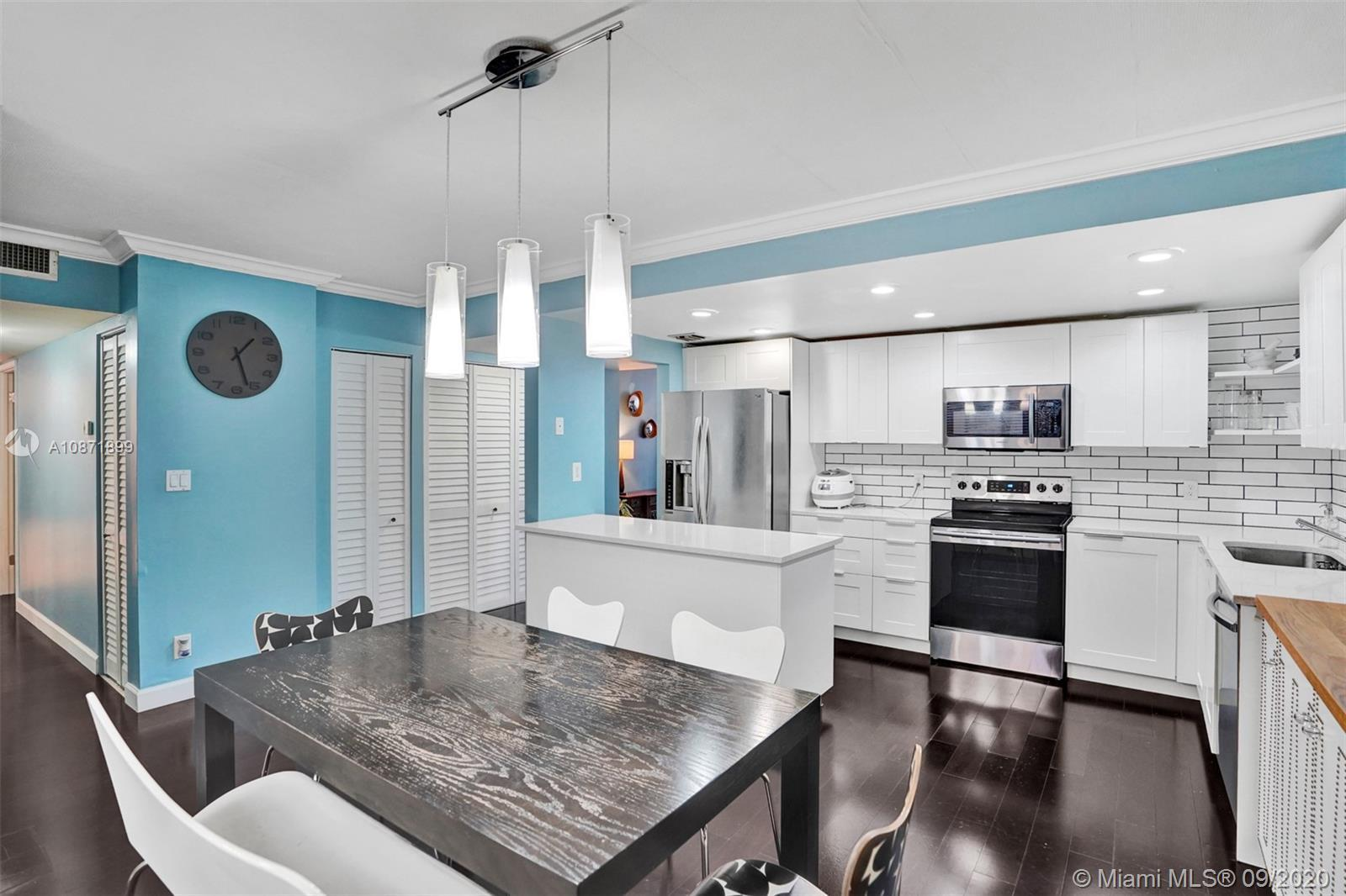 Spacious 3 bedrooms, 2 bath fully renovated unit. Located in the heart of Aventura, 3 minutes away f