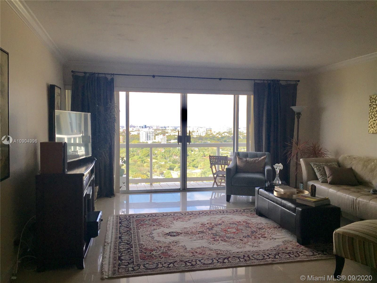 Stunning city views on this 1bd/1ba including Coral Gables and Downtown area. Featuring wide open ro