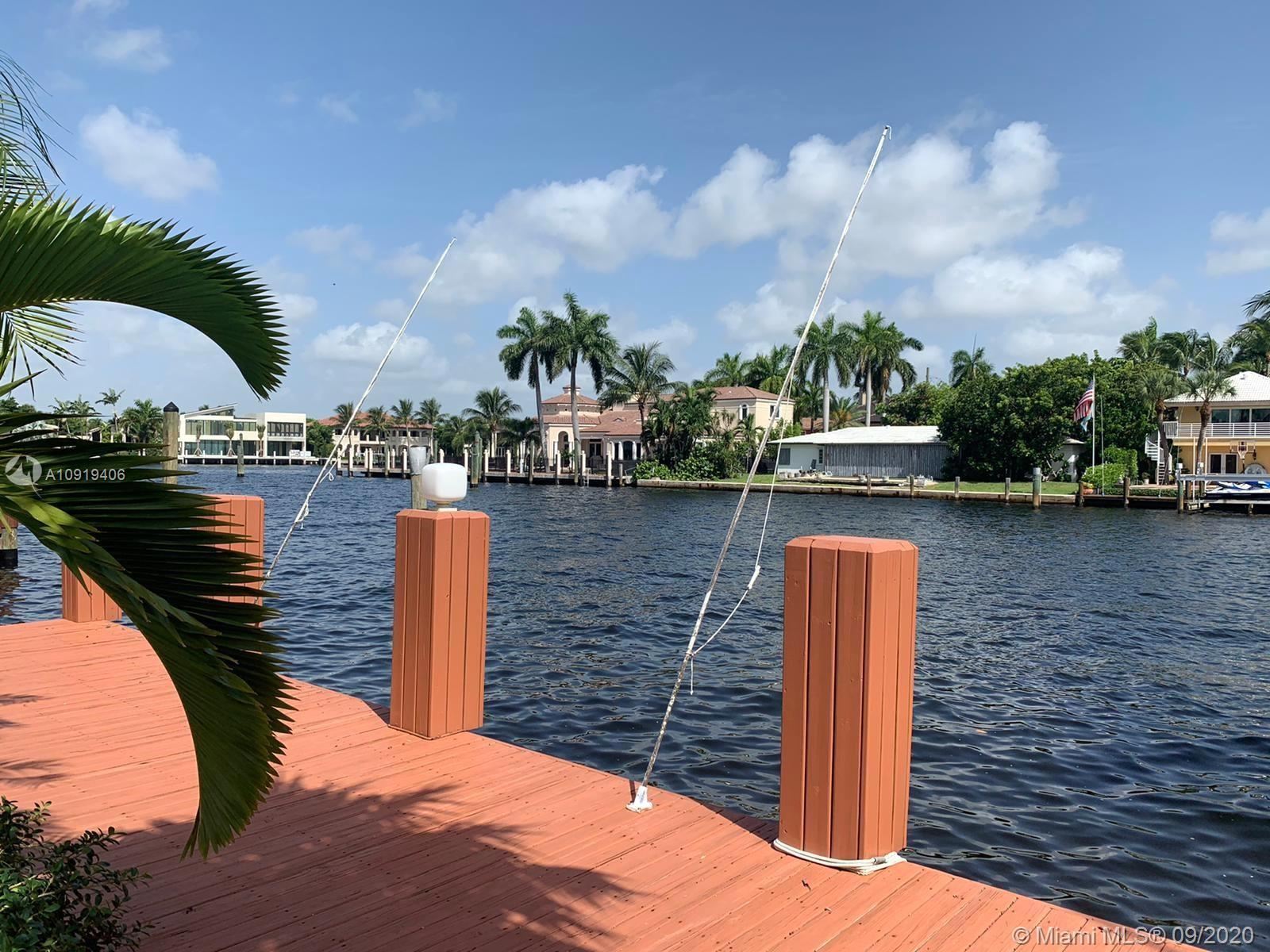 "BEAUTIFUL HOUSE , 200 ft wide canal Newly remodeled ""Magazine Quality Home"" Wide water and intracost"