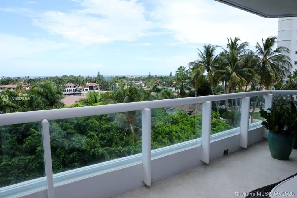 Extraordinary unit at The Point! Simply the BEST line in the building.  Super spacious floor plan wi