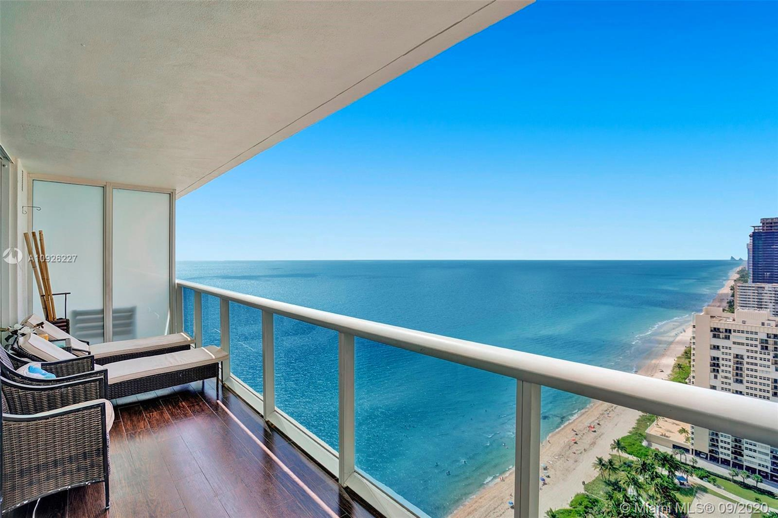 BEAUTIFUL, OCEANFRONT LUXURY 2BED +DEN/3 BATH, BREATHTAKING VIEWS FROM EVERY ROOM, DIRECT OCEAN VIEW
