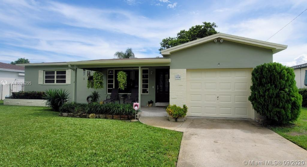 Charming large 2-bedroom pool home in lovely Lawn Acres. A slice of paradise in a well established n