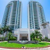 BRIGHT & AIRY 3BED/3BATH  IN HEART OF AVENTURA. 10 FT CEILINGS. CUSTOM MADE FURNITURE  & DECORATED B