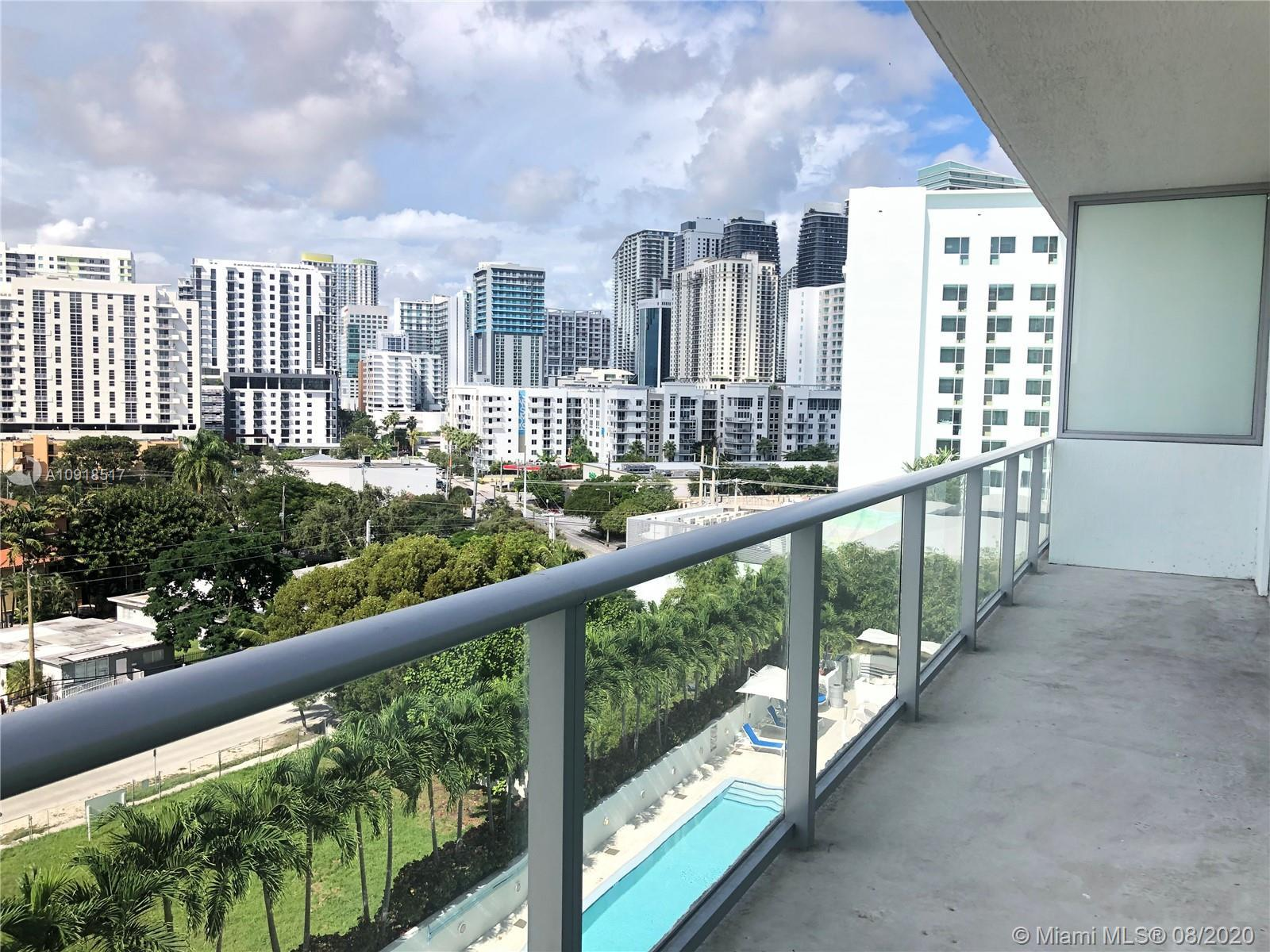 Live in the best location of Brickell: the perfect combination of live/work/entertainment. Right acr