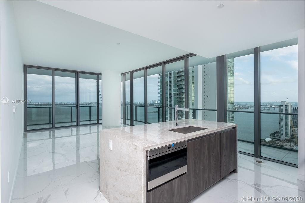 Beautiful 4 Bedrooms SE Corner Residence, Unobstructed water views and amazing downtown and city vie