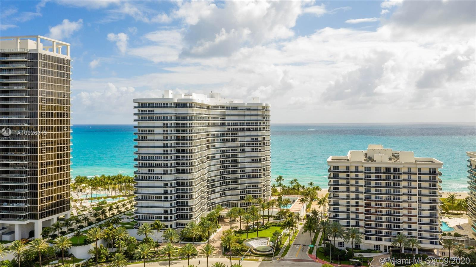 Beautiful spacious apartment in the renowned Majestic Tower in Bal Harbour. This unit features a pri