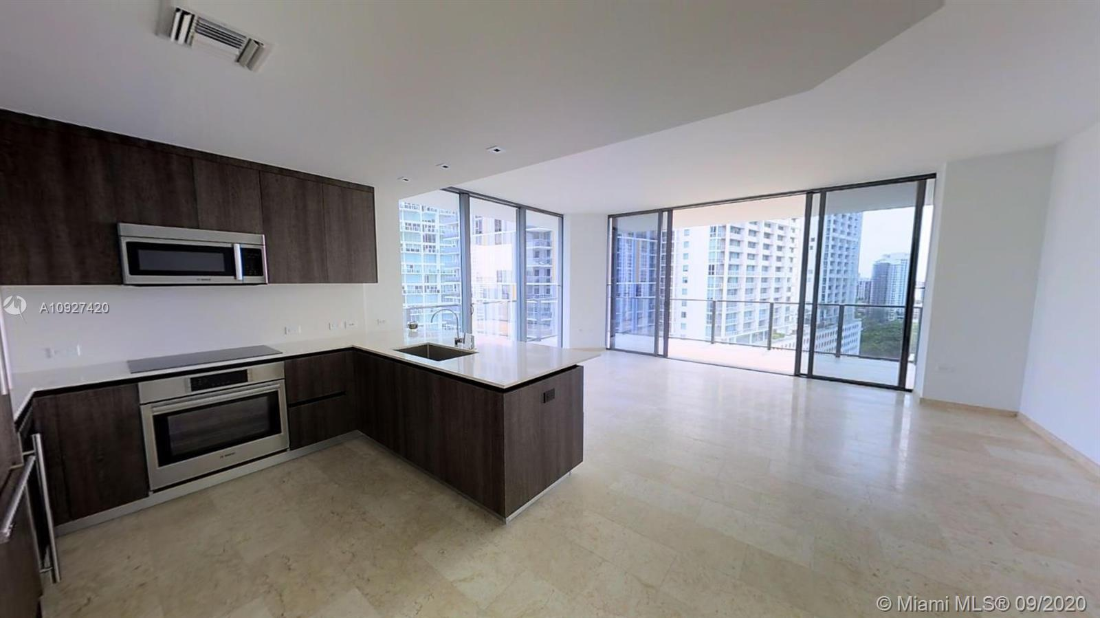 2 BR 2.5 BA Corner unit 1,680 Sq/ft (TA) Spectacular views of Miami River, Biscayne Bay, and Brickel