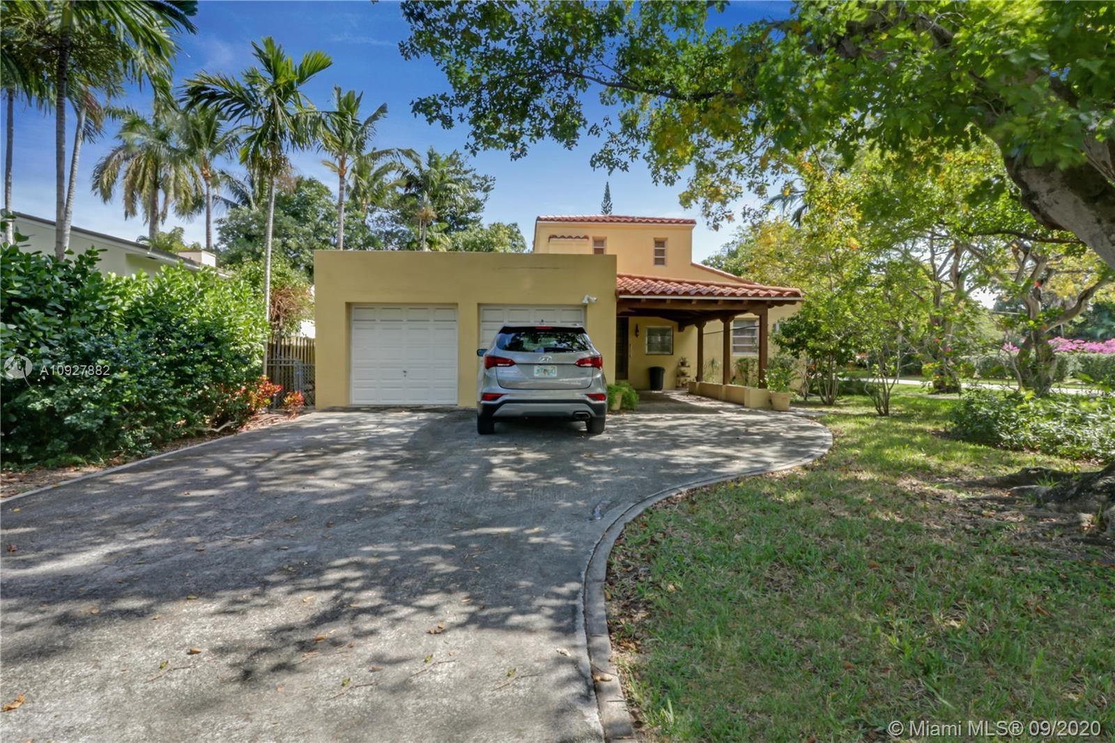 What a fabulous 2 story family home in the heart of Miami Beach,just a short drive to the beach & wa