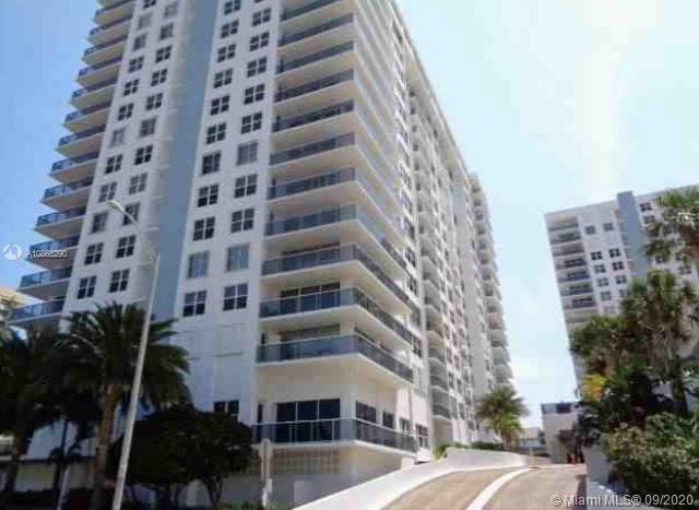 Lovely condo located in South Beach. Two bedrooms, two and a half bathrooms.Close to the beach with