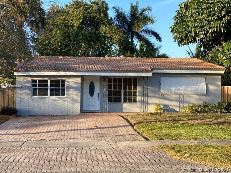 Beautifully renovated property in the heart of Hollywood. 3 bedrooms/2 bathrooms. Huge corner lot wi