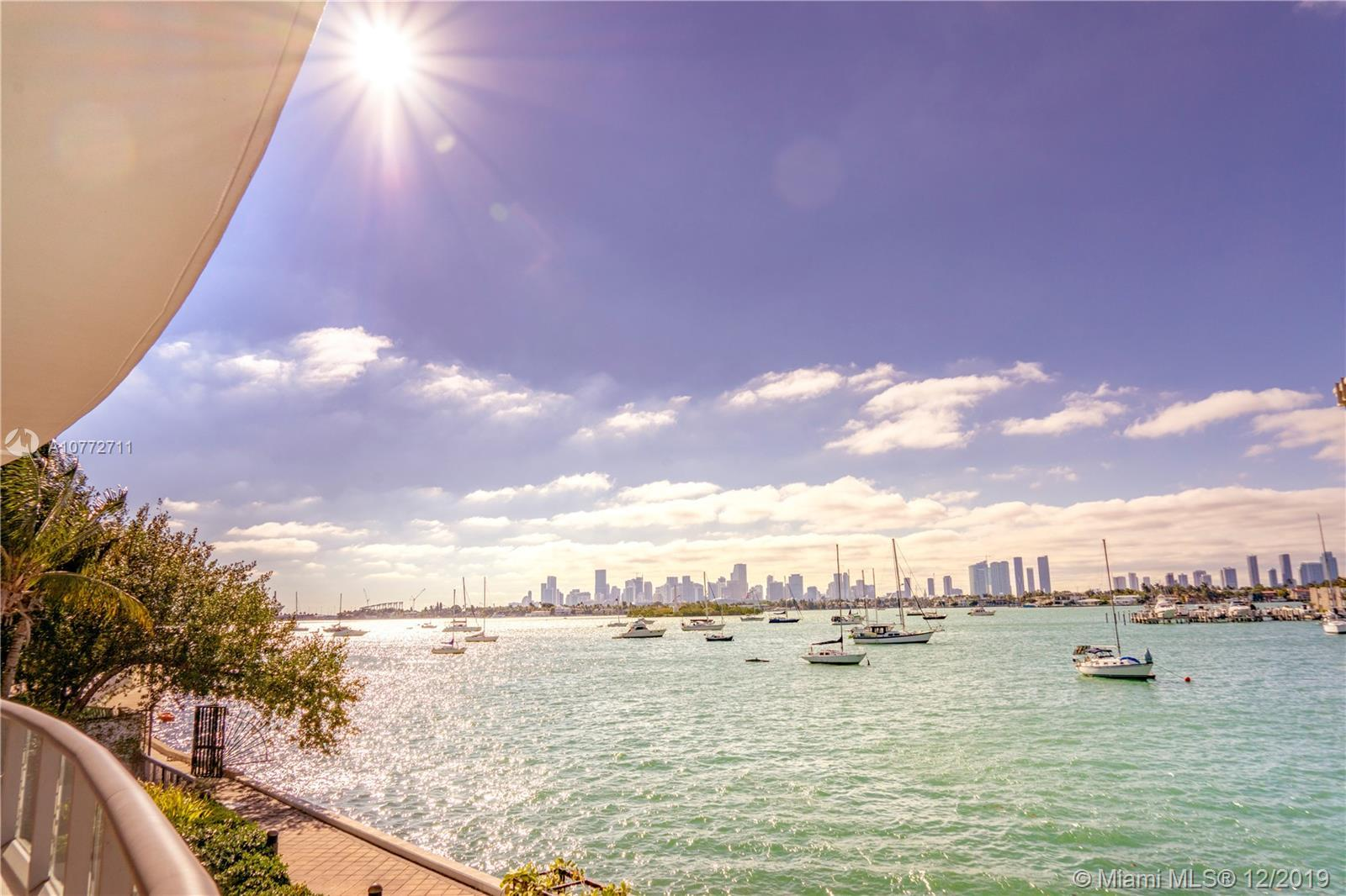 Spectacular 3 bd bayfront w/34 ft dock at Capri, South Beach. Waterfront living at its best. Direct