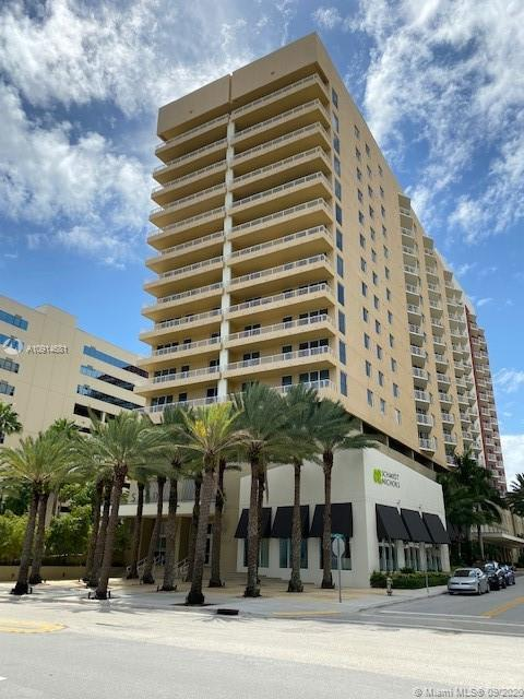 1BR/1BA CONDO WITH A VIEW OF THE INTRACOASTAL LOCATED ON THE AMENITIES FLOOR OF THE SLADE BUILDING.