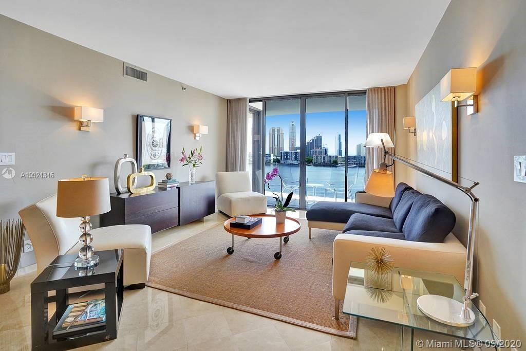 BEAUTIFUL VIEWS TO THE INTRACOASTAL FROM THIS SPACIOUS UNIT IN MOST DESIRED 2800 BUILDING AT WILLIAM