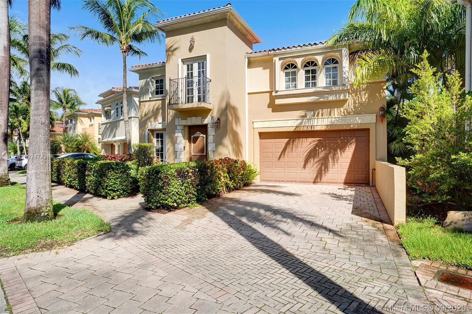 LUXURY JEWEL BEHIND THE GATES OF AVENTURA LAKES, CONVENIENTLY SITUATED IN THE HEART OF AVENTURA. OPE