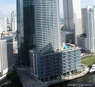 Amazing unit in one of the best line#03, high floor, excellent view. Live in VIP style with top of t
