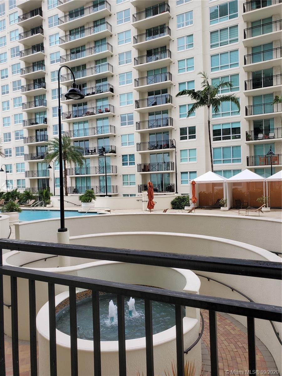 Luxurious 1 bed 1 bath condo overlooking the pool and recreation area, and Downtown Ft. Lauderdale a