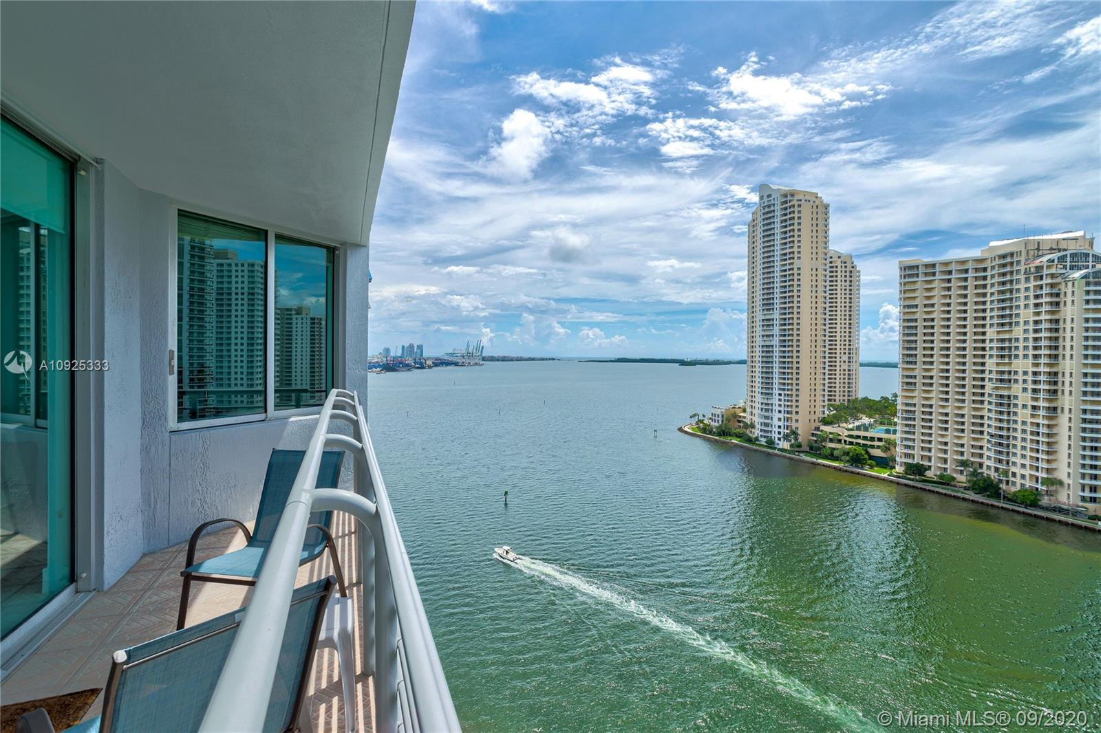 Step into an oasis of unrivaled & unobstructed water views of Biscayne Bay. This 18thfloor