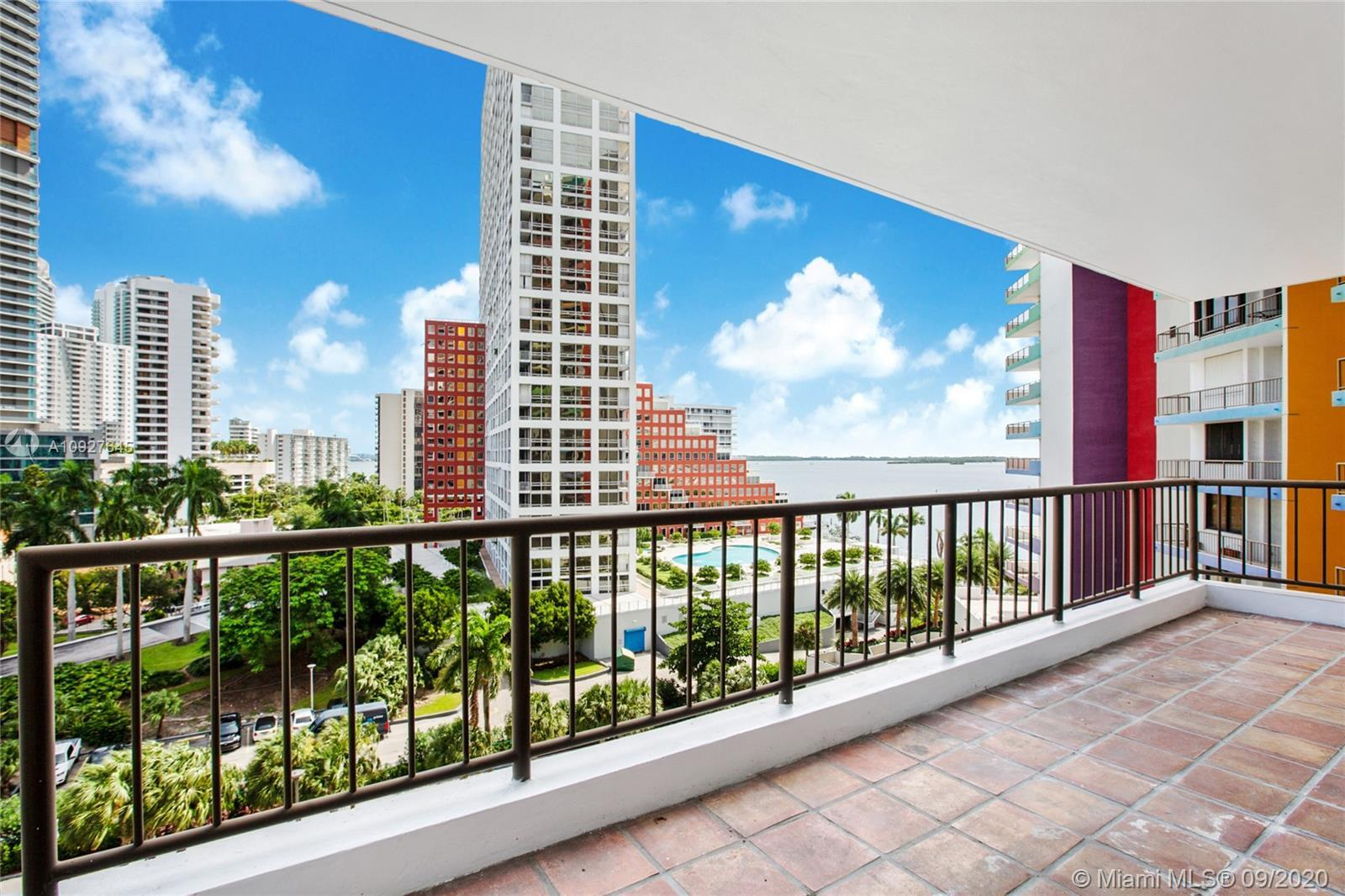 Rare product!! Spectacular water and Brickell city skyline views from this spacious 1 bedroom 1 bath