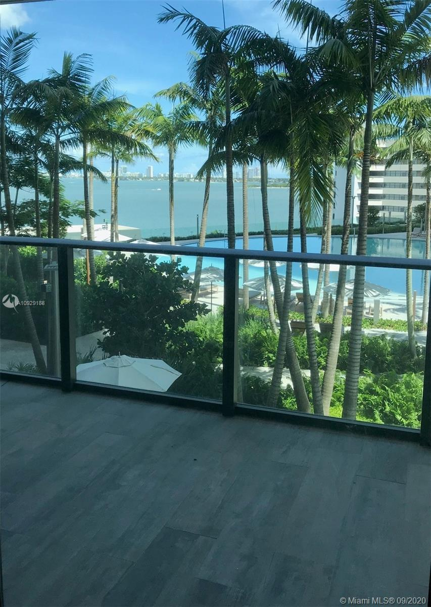 Investor welcome. Stunning unit located in Edgewater, open design in this gorgeous 2 Bed/3 full Bath