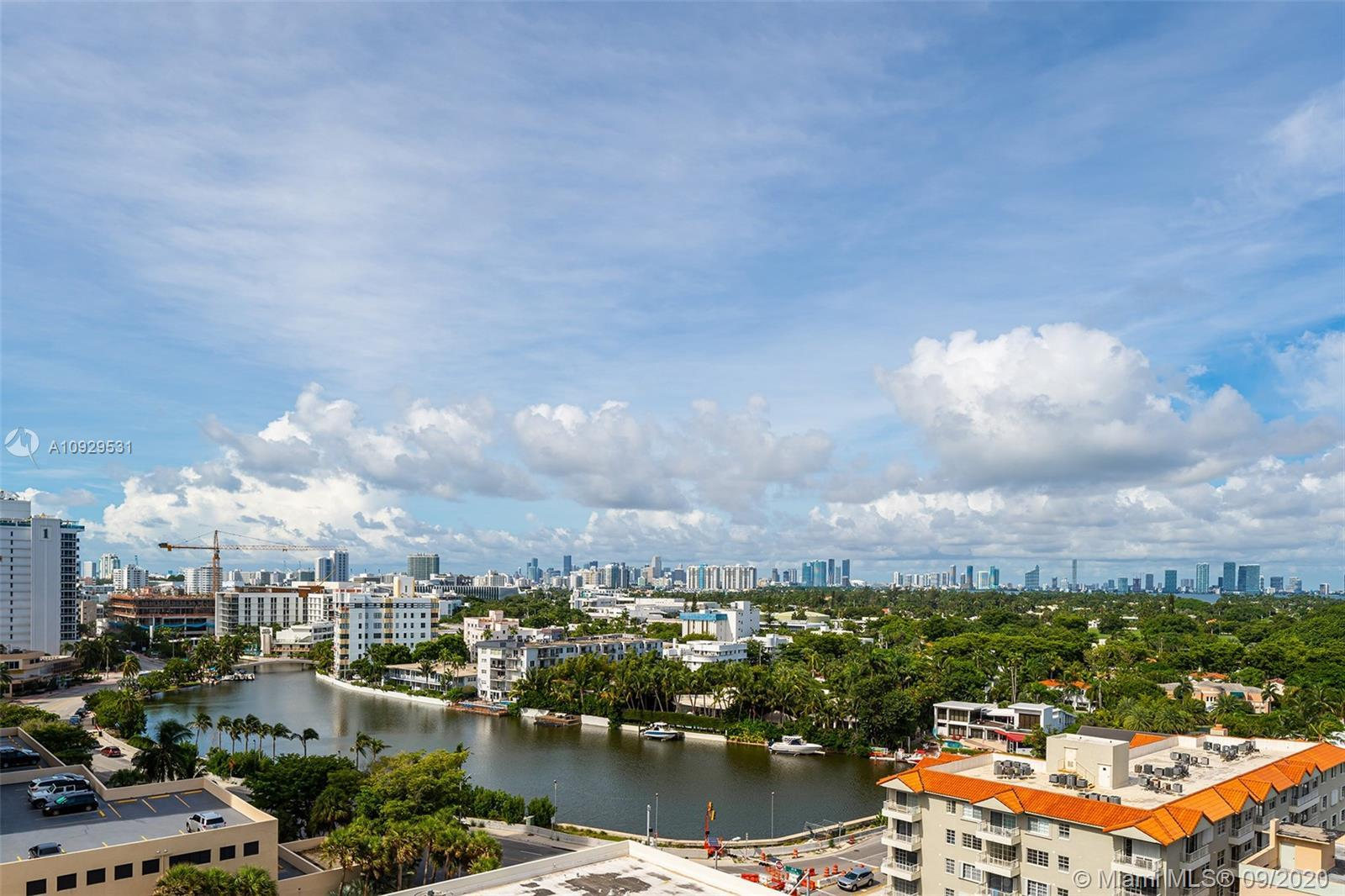Incredible Waterfront building overlooking a spectacular view of Biscayne Bay and Downtown Miami Sky