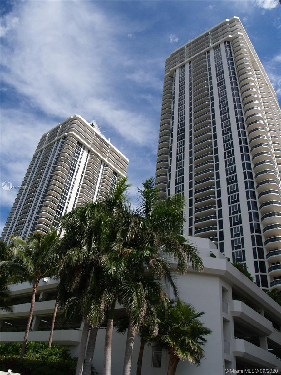 Incredible view of the city and intracoastal from every room!! 1 Bedroom, plus Den that could be enc
