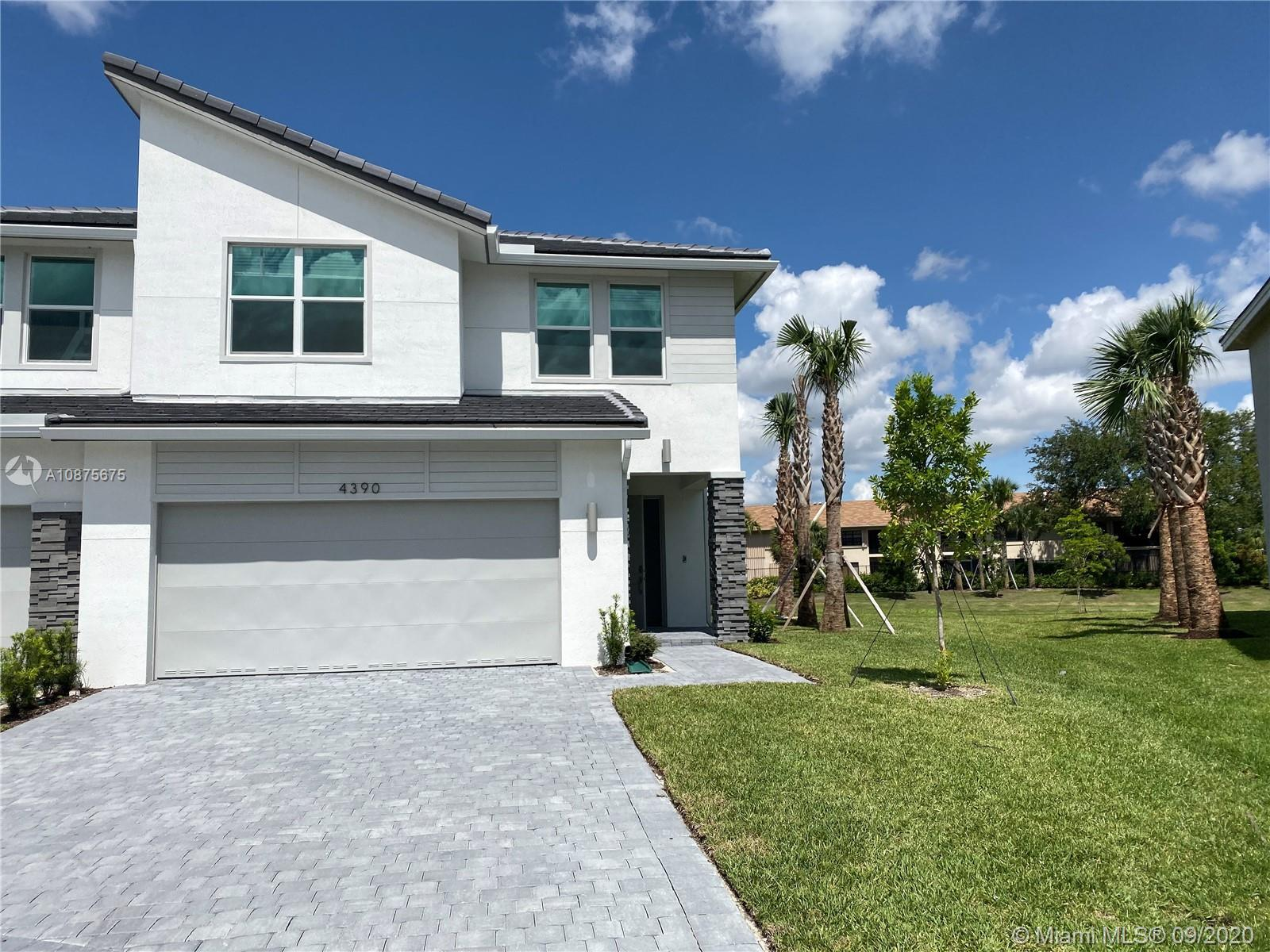NEW CONSTRUCTION   The two-story Bussola floor plan features 3 bedrooms and 2.5 bathrooms. It begin