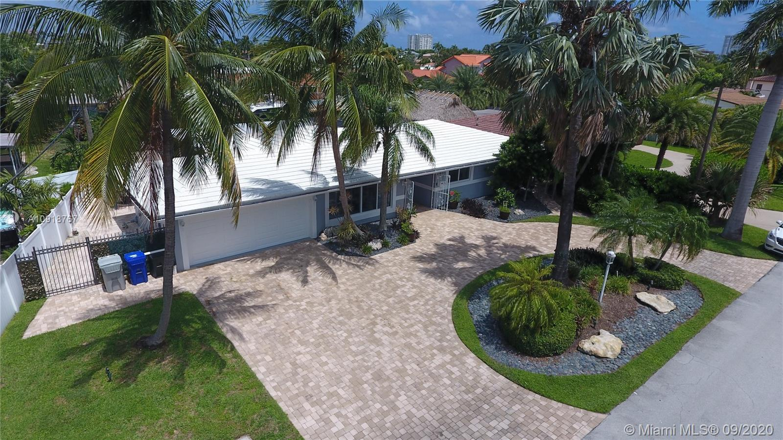 """CASA DE KAI"" DRAMATIC PRICE DROP$$SELLERS MOTIVATED! SOUTH FLORIDA BOATER'S PARADISE EXQUISITE POOL"