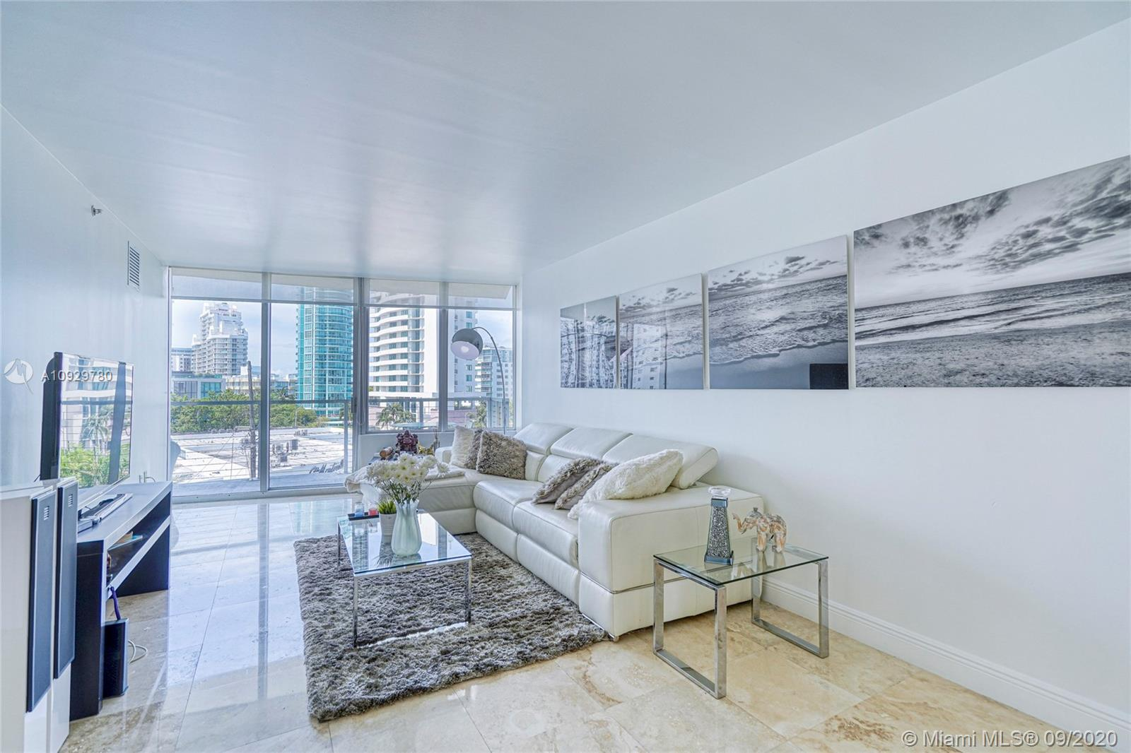 AMAZING CORNER UNIT VERY BRIGHT AND SPACIOUS IN A BEAUTIFUL BOUTIQUE BUILDING IN MIAMI BEACH. GREAT