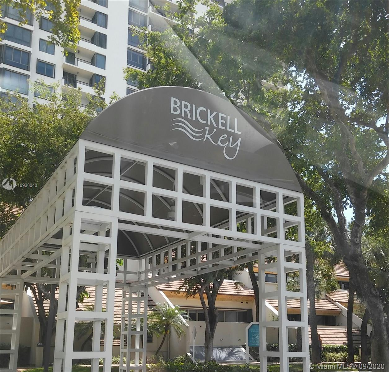 Spacious 2/2 condo at Brickell Key with two balconies! Amenities: Gym, new pool, BBQ area,