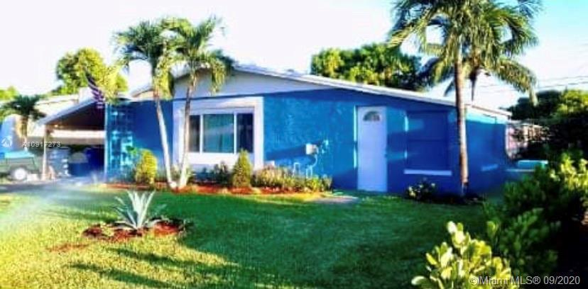 Beautifully upgraded 3/1 in the heart of Pompano Beach! In great location. It has wood cabinets; sta