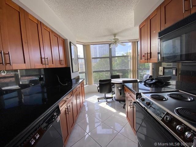 PRICED TO SELL! MYSTIC POINTE TOWER 500,..LARGE 2/2 SPLIT BEDROOM PLAN ,  WRAP AROUND TERRACE, EAT I