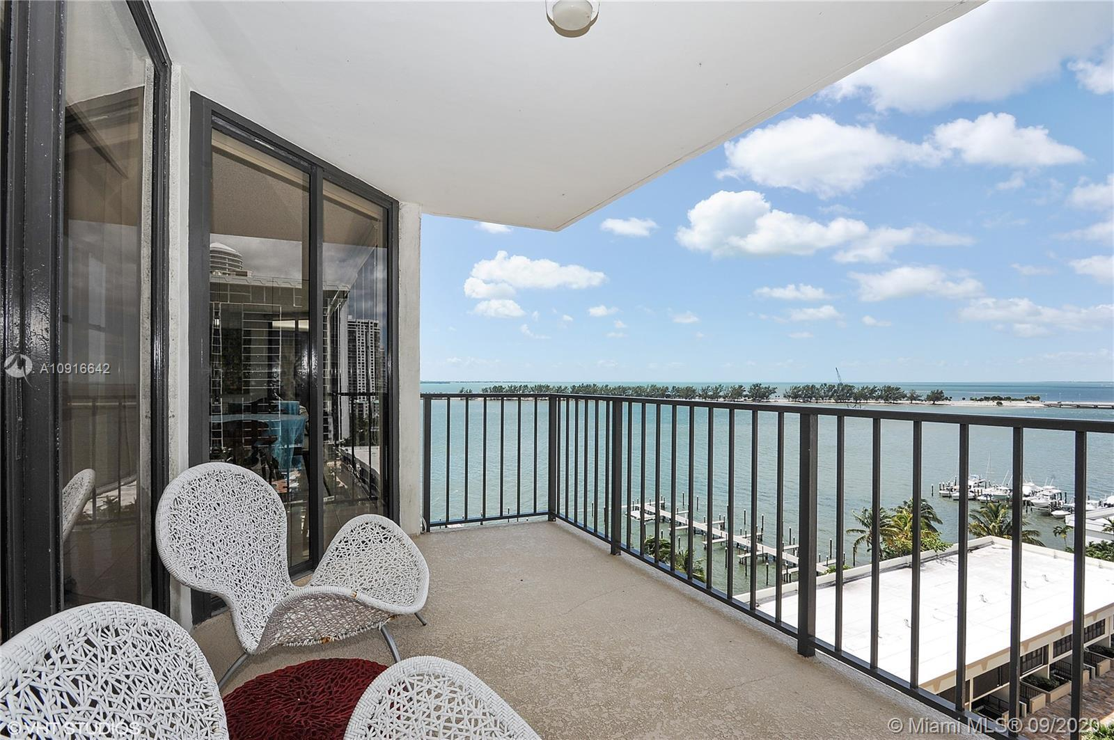 Completely remodeled 2 bedrooms and 2 bathrooms with unobstructed panoramic views of Biscayne Bay. N