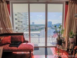 OVERSIZED 1 BEDROOM AND 1,5 BATH IN WELL MAINTAINED HALLMARK WITH LOW MONTHLY MAINTENANCE FEE. ACROS