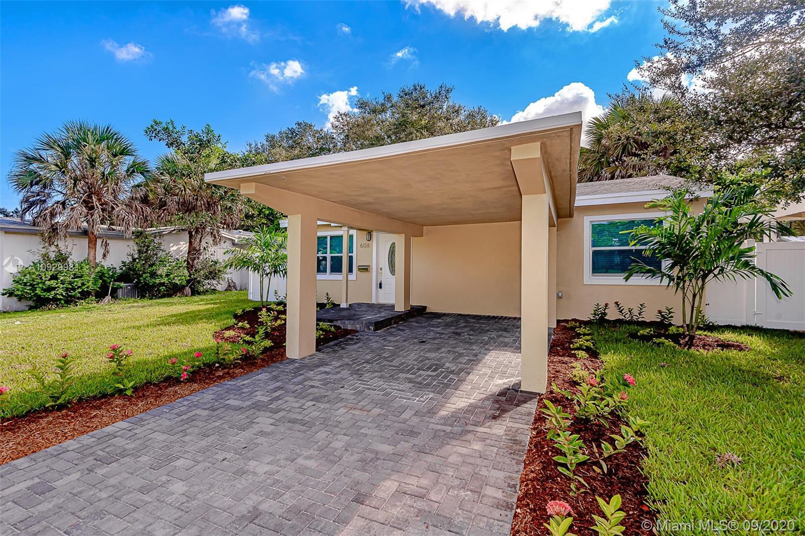 Beautiful 3 bedroom/3 full bathroom home in the Riverside subdivision of Fort Lauderdale! Two of the