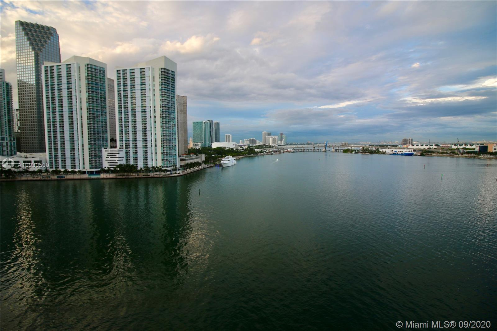 Fantastic remodeled unit in the prestigious Three Tequesta Point at the exclusive Brickell Key. Spec