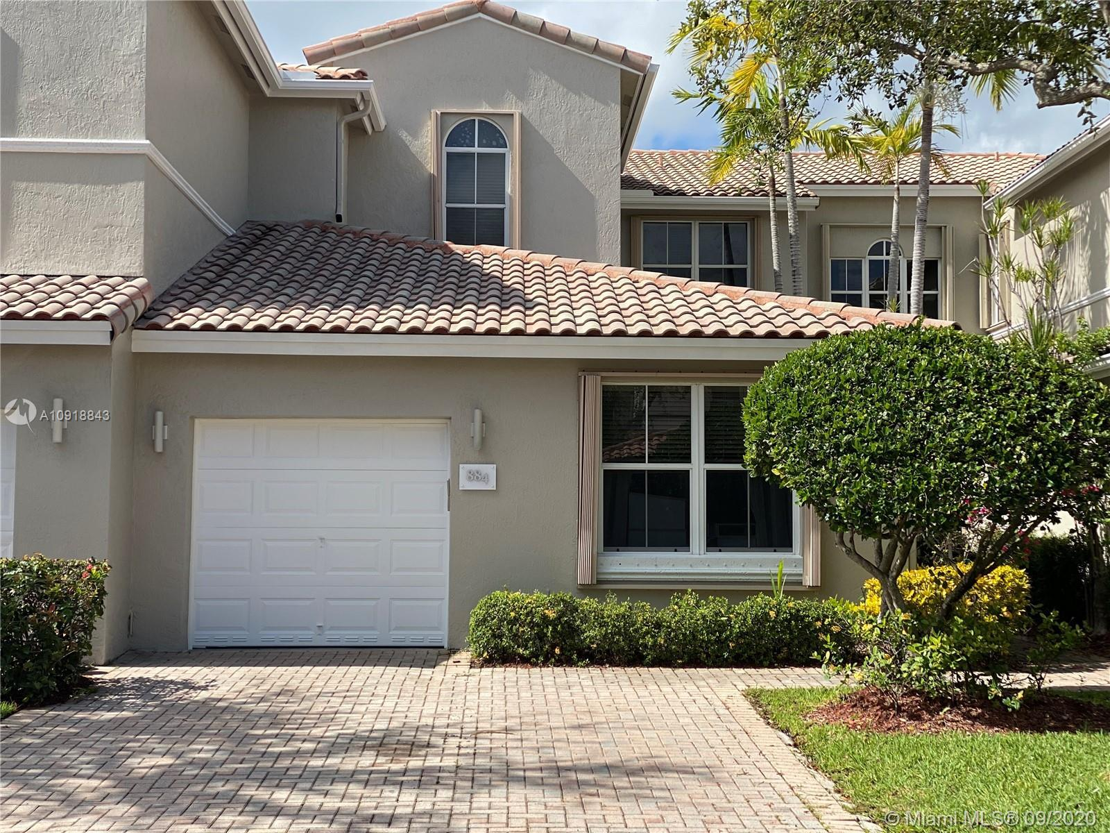 Beautiful home perfect for a family, located in the prestigious gated community of Harbor Islands. T