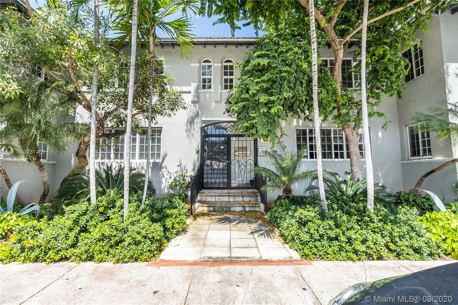 MEDITERRANEAN STYLE CHARM MEETS SOUTH BEACH MODERN STYLE. TOP LEVEL REMODEL, GOURMET KITCHEN WITH GA