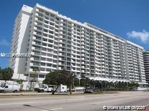 SPECTACULAR OCEAN FRONT CONDO 1/1.5 IN EXCELLENT CONDITIONS. JUST TO RELAX AND ENJOY THE VIEW.