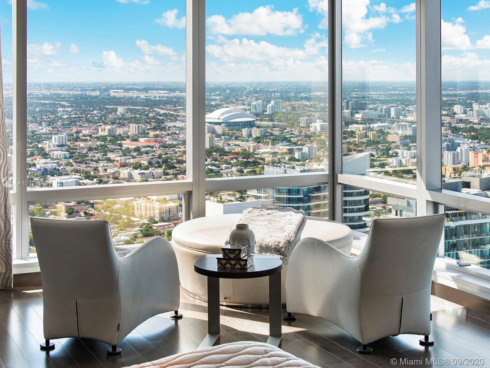 Rising 68 stories above the Miami skyline, this extraordinary PH offers sweeping unobstructed views