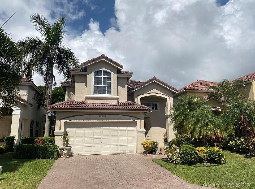 Private Enclave single family homes located within walking distance to beach, Forth Lauderdale and D