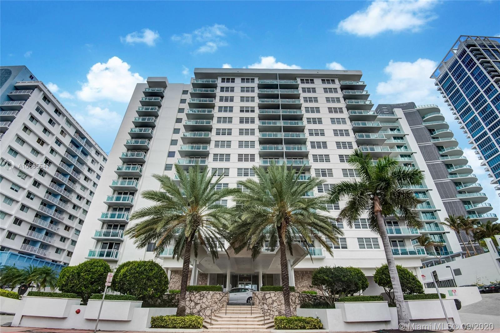 Beautiful 2/2 corner unit at The Collins in Miami Beach. Enjoy views of the lively Collins Ave, peop