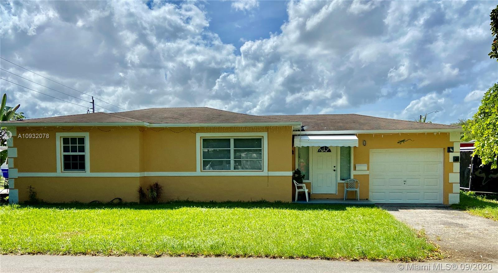 3/2 Single family home with an attached one car garage on a corner lot. Perfect for an investor or n