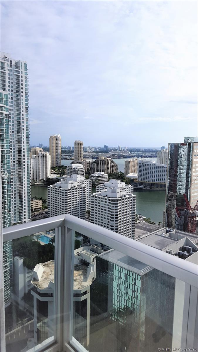 BEST LINE IN THE BUILDING, CORNER UNIT 2 BED, 2.5 BATH AT THE VIBRANT 1060 BRICKELL. SOPHISTICATED U