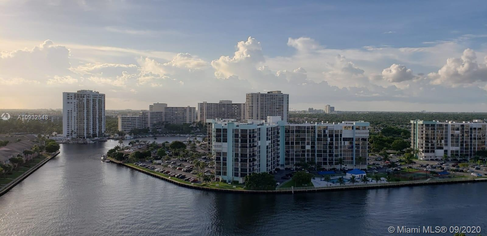 WON'T LAST!!! TURN KEY !! FHA Approved! Can be rented immediately ! Espectacular Intracostal view! B