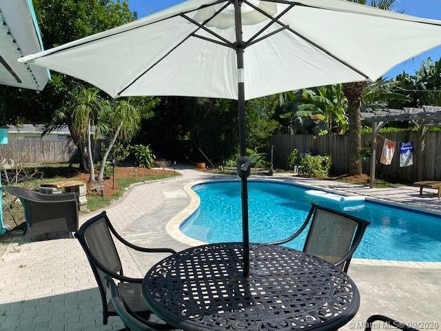 This one won't last! Beautiful 3/1 with Pool, vaulted ceilings, wonderful trees on property and a pe