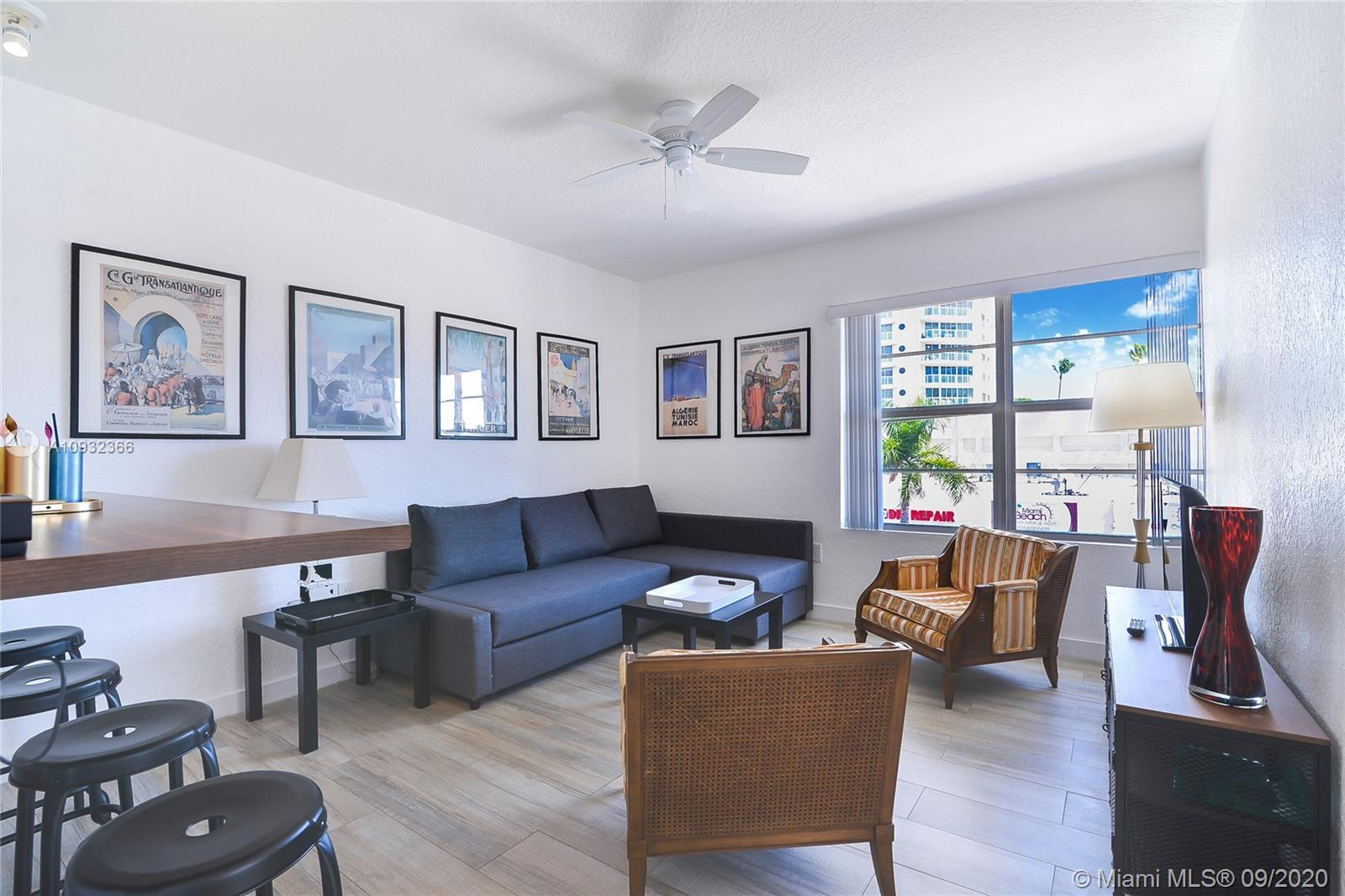 A block from the beach, with side Ocean View. Beautiful corner 2 bedrooms/1bath unit. This remodeled