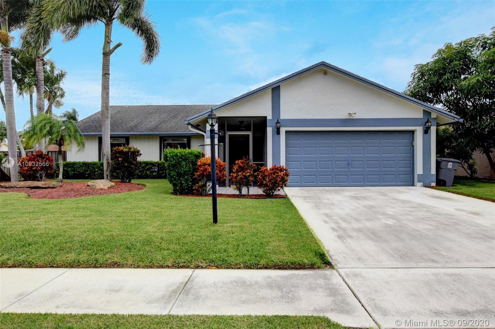 Welcome to this lovely corner lot home in Boca Fontana! This 3 bedroom, saltwater pool home, really