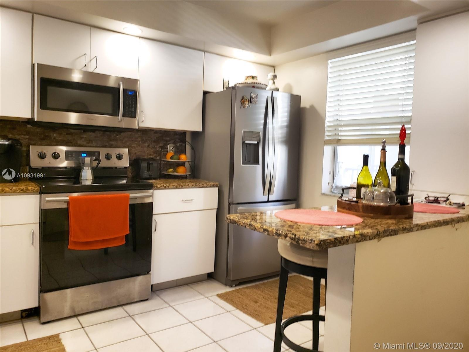 Live Florida's life stile at its best! This spacious 2/2 condo with water view had kitchen updated w