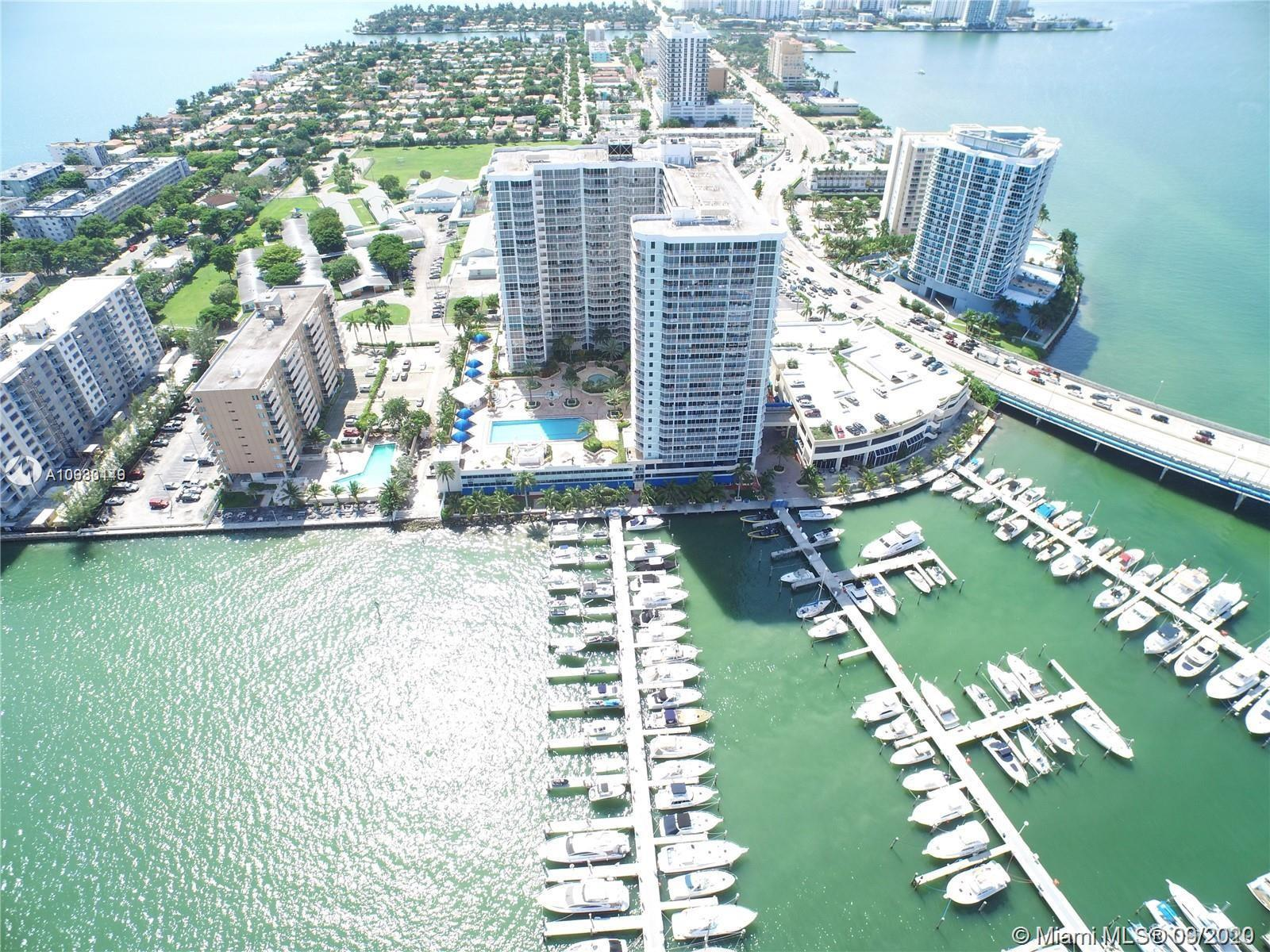 Beautiful updated Penthouse. 2 bed/2 bath split plan. Stunning views from every room of Biscayne Bay